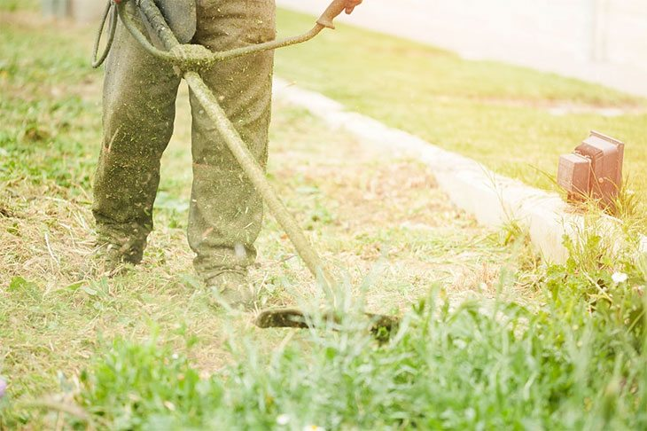how to use a weed wacker electric
